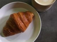 メルボルンのカフェ「Lune croissant and coffee」