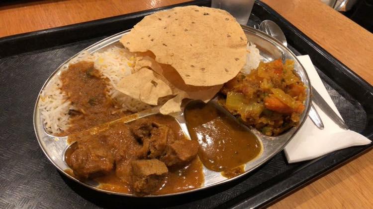 インド人の友人が教えてくれたリーズナブルカレー店「Flora Indian」
