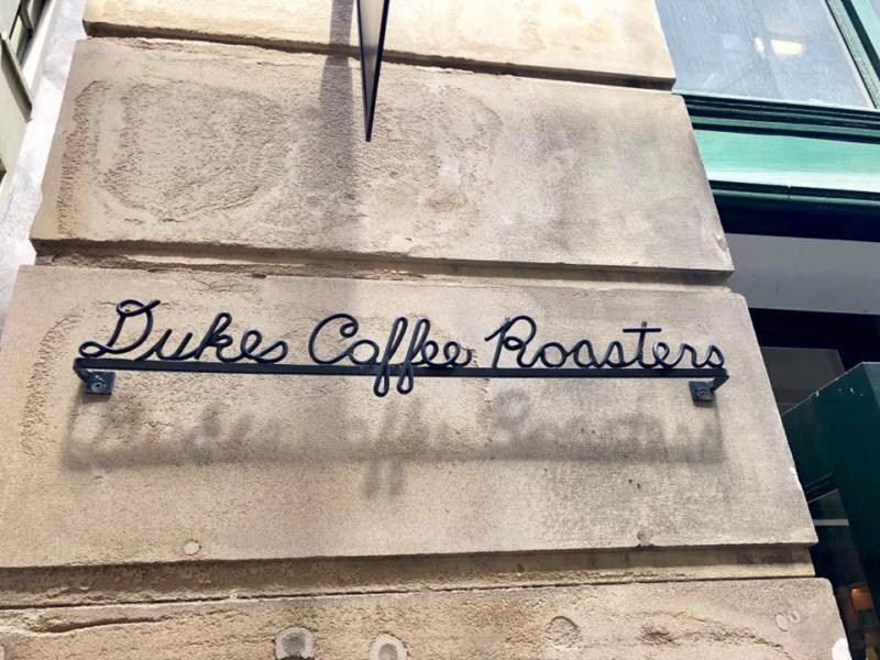 メルボルンのカジュアルカフェ「Dukes Coffee Roaster」