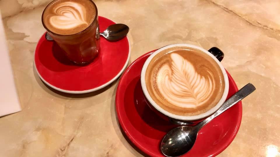 ロイヤルアーケードにあるカジュアルイタリアンカフェ「Caffe E Torta」
