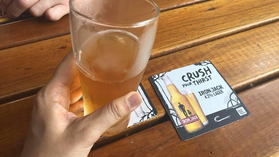 スポーツ観戦とMusi Liveも楽しめるエキシビションストリートのBritish Bar 「The Elephant & Wheelbarrow」